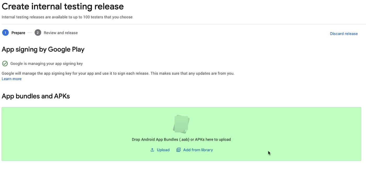 Play Console 中高亮的 (绿色) 部分是为了上传 app bundle 准备的